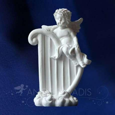 Estatuilla del ángel Arpa
