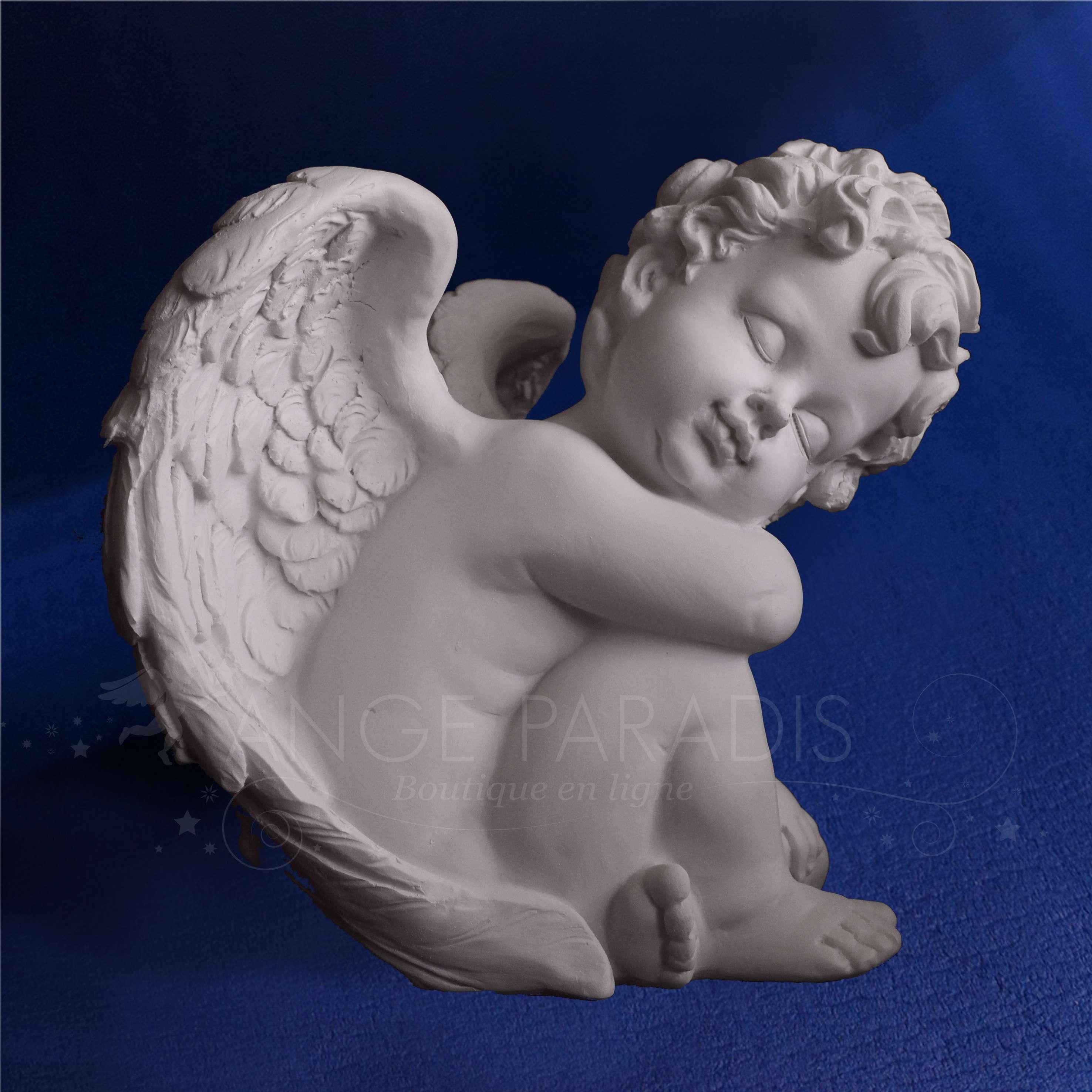[Imagen: estatua-del-angel-querubin.jpg]